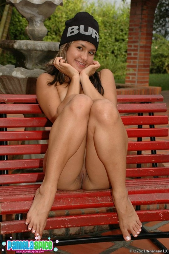 mature-naked-on-park-bench-asian-teens