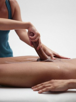 women massage with happy ending Dubbo